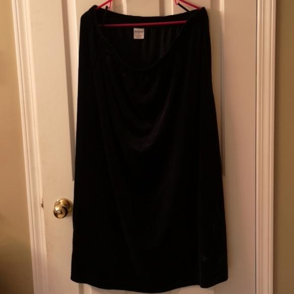 Black Velvet Long Skirt 2X
